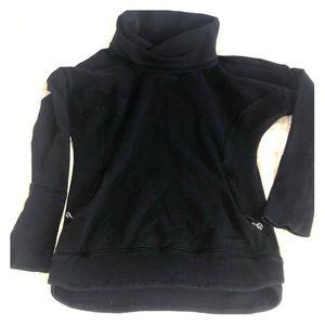 Lululemon pullover size 4
